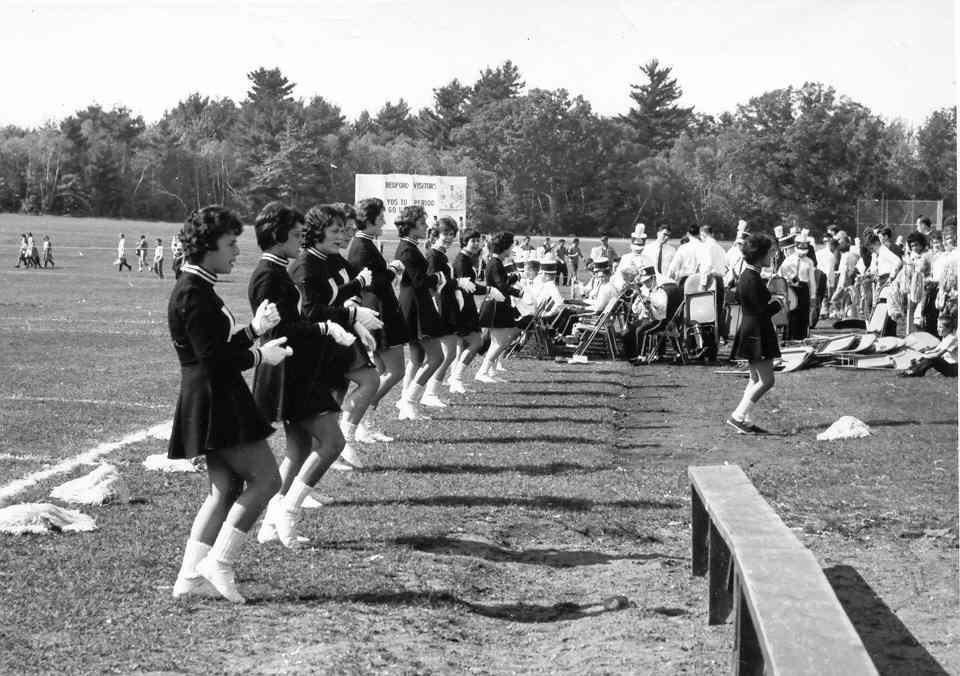 cheerleaders_bedford.jpg